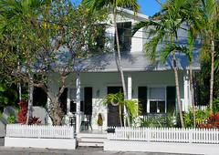 Key West (Florida) Trip 2017 0494Ri (edgarandron - Busy!) Tags: florida keys floridakeys keywest house houses buildings