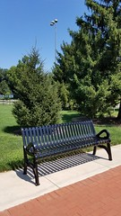 Pierce Field (dankeck) Tags: bench franklincounty ohio centralohio suburb grandviewheights park piercefield