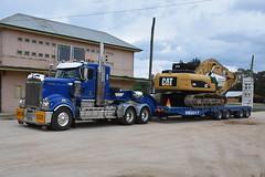 Kenworth T909 (Bourney123) Tags: kenworth t909 truck trucks trucking highway haulage diesel loaded bathurst