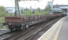 YQA 967615 . Parr . (AndrewHA's) Tags: bishopsstortford hertfordshire railway station trains train engineers bogie flat wagon parr yqa 967615