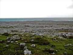 Irland (Nadja Golitschek) Tags: irland grüneinsel ireland insel tourismus impressionen galway bay küste steine wasser