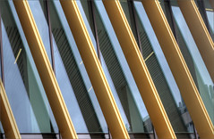 Collaborative Teaching Laboratory, University of Birmingham detail 2 (alanhitchcock49) Tags: new collaborative teaching laboratory university of birmingham visit by redditch u3a digital photography group july 18 2018 gold architecture