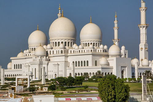 Domes and minaret of the Sheikh Zayed Mosque, Abu Dhabi
