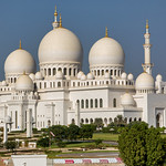 Domes and minaret of the Sheikh Zayed Mosque, Abu Dhabi thumbnail