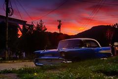 El viejo Chevrolet (Carpetovetón) Tags: carro automóvil auto berlina antiguo car chevrolet atardecer anochecer cielo cuba viñales
