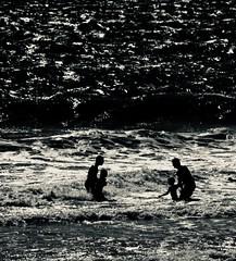 Play...... (rienschrier) Tags: spelen play water strand mensen people beach