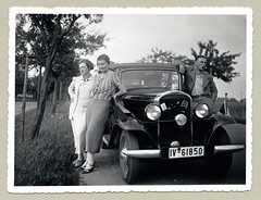 "Opel 1,2 Liter Cabrio-Limousine (Vintage Cars & People) Tags: vintage classic black white ""blackwhite"" sw photo foto photography automobile car cars motor opel opel12liter cabriolimousine 1930s thirties lady woman girl fashion silkstockings stockings skirt ladyssuit femalesuit"