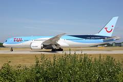 G-TUIK THOMSON AIRWAYS BOEING 787-9 DREAMLINER (Roger Lockwood) Tags: gtuik thomsonairways boeing787 dreamliner manchesterairport egcc man
