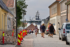 The Old Town (Gamlebyen), Færgeportgaten and the Norwegian Coast Guard (iharsten) Tags: færgeportgaten oldtown gamlebyen fredrikstad july 2018 summer coastguard