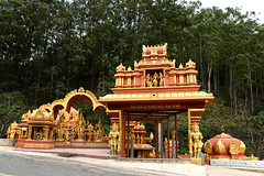Indian Temple (MelindaChan ^..^) Tags: srilanka 斯里蘭卡 indian temple chanmelmel mel melinda melindachan worship pray religion culture life