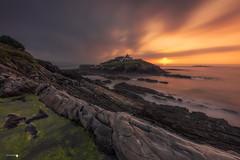 Faro de Tapia de Casariego (Caramad) Tags: verdin mar landscape sunset asturias olas faro puestadesol rocks agua longexposure color rocas seascape light tapiadecasariego mareabaja atardecer marcantábrico sea