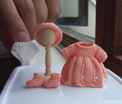 Örgü oyuncak bebek kıyafetleri