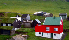 Red house (Jan Egil Kristiansen) Tags: village redhouse faroeislands mykines froyar dscf3042 bygd mykinescity scandinaviansthetics traditionalfaroesehouse mykinesredhouse megustaserdiferentealosdems
