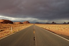 Road to nowhere 2 (MadGrin) Tags: road park usa america utah nationalpark monumentvalley