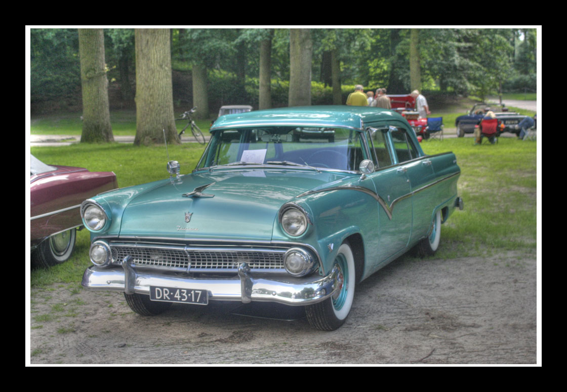 Ford Fairlane 1955. go back