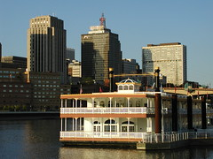 Centennial Showboat Downtown (Tiffibunny) Tags: city people minnesota buildings mississippi stpaul mississippiriver mn harrietisland