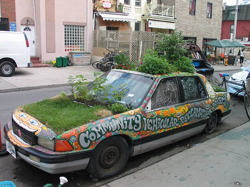 Kensington Market Garden Car - Photo by DrGaz