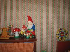woonkamer living (esthermokka) Tags: light wallpaper kids vintage toys living retro gnomes childeren