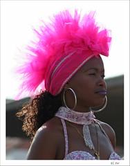 Color cubano (fertraban) Tags: fotosencadenadas mujer fiesta cuba rosa sombrero oviedo guapa negra sanmateo cubana desfiledeamricaenasturias ltytr2 ltytr1