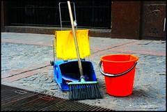 Primary Colors (silkegb) Tags: blue red color yellow azul bucket rojo clean amarillo shovel brum escoba balde limpieza safariba palita safaribamicrocentro dankerodrigo