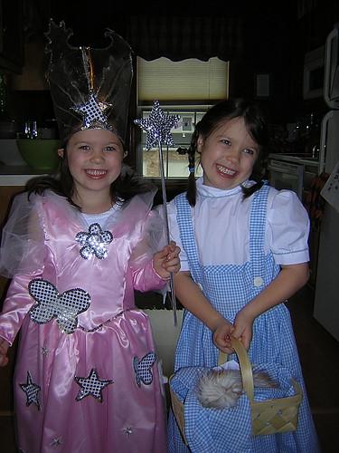 Dorothy and Glinda 3