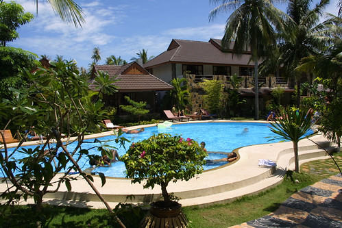 Salad Beach Resort-pool0