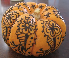 henna on pumpkin