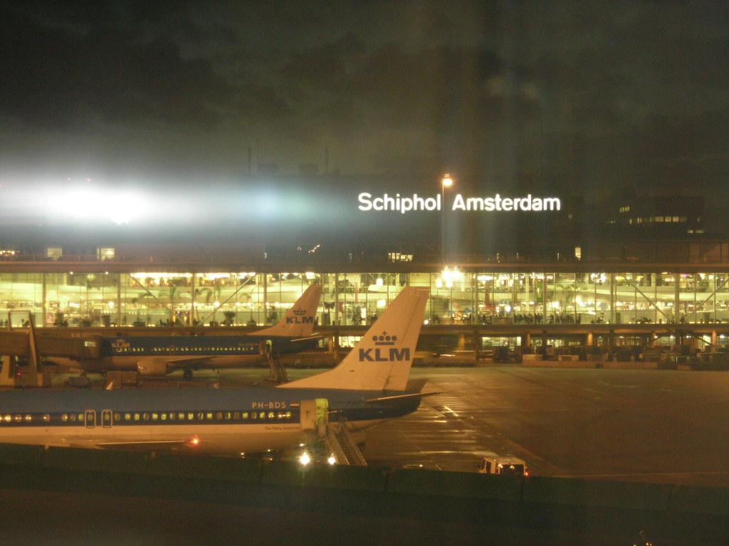 AMSTERDAM. Schiphol airport / Aeropuerto Schiphol