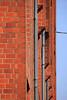 Backsteinfassade (02) (Rüdiger Stehn) Tags: 2000er 2000s europa mitteleuropa deutschland germany norddeutschland schleswigholstein canoneos550d kielblücherplatz 2018 rüdigerstehn architektur backsteinarchitektur neubau bauwerk profanbau fassade kiel stadt