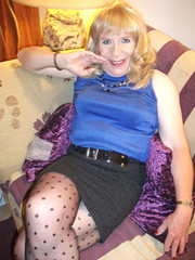 Comfy Short Skirt (rachel cole 121) Tags: tv transvestite transgendered tgirl crossdresser cd