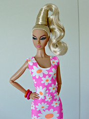 Flower dress (Deejay Bafaroy) Tags: fashion royalty fr integrity toys it doll puppe barbie poppy poppyparker thecameralovesher the camera loves her portrait porträt blonde blond pink rosa orange white weiss