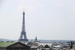 Torre Eiffel sobre París (Furanu) Tags: paris parís capital ciudad francia france street arte photo foto calle calles callejero edificio torre eiffel louvre estatua lugar place landscape