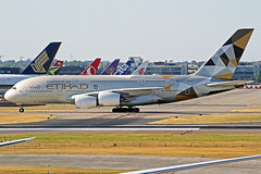 Etihad Airbus A380-861 A6-APJ LHR 30-06-18 (Axel J. ✈ Aviation Photography) Tags: etihad airbus a380 a6apj lhr london heathrow luftfahrt fluggesellschaft flughafen flugplatz aircraft aeroplane aviation airline airport airfield 飞机 vliegtuig 飛機 飛行機 비행기 авиация самолет תְעוּפָה hàngkhông avion luchtvaart luchthaven avião aeropuerto aviación aviação aviones jet linienflugzeug vorfeld apron taxiway rollweg runway startbahn landebahn outdoor planespotter planespotting spotter spotting fracht freight cargo