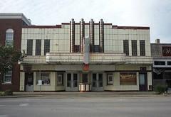 Heart Theater in Effingham, IL (Joanna Key) Tags: theater movietheater cinema oldcinema heart effingham illinois artdeco