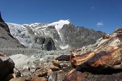 depuis le Haut Glacier d'Arolla (bulbocode909) Tags: valais suisse arolla hautglacierdarolla glaciers glacierdumontcollon rochers montagnes nature nuages neige paysages bleu