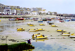 Yellow motor boats, St. Ives, Cornwall, 19th July (Linda 2409) Tags: beach motorboats harbour lowtide town seaside sand