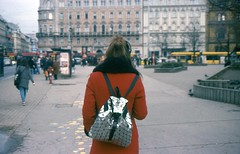 red girl (sztomy_analog) Tags: 35mm 35mmfilm 35mmfilmphotography film filmsnotdead filmisnotdead filmphotography explorewithfilm ishootfilm analog analogphotography photography magyaranalog magyar hungarian girl hungariangirl magyarlány lány sztomy art sztomyphoto