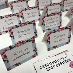 Só delícias no casamento da Cecília! 📍mini menus para mesa de doces 📍de SP para todo o Brasil 🎁encomende pelo site casamentosetravessuras.com #casamentosetravessuras #mesadedoces #mesadedocescasamento #cerejeira (casamentosetravessuras) Tags: instagram facebookpost lembrancinhas personalizadas