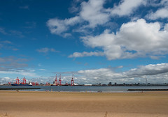 beach and blue sky (Mike Ashton) Tags: mersey sps wirral newbrighton beach coast summertime