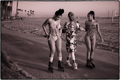 Venice Beach, California. (drpeterrath) Tags: canon eos5dsr 5dsr venice beach losangeles california streetphotography streetportrait red filter africanamerican rollerskates sand sky cloud pacific ocean sepia bw female bikini woman lady girl model actress celebrity