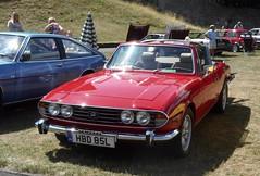 West Midlands Classic Car Club annual show 33 (Mount Fuji Man) Tags: westmidlandsclassiccarclub annualshow classiccar courtyard july2018 dudleycastle