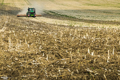 Tillage | JOHN DEERE // VÄDERSTAD (martin_king.photo) Tags: johndeere9620rx väderstadcarrier820 disccultivator johndeere tractor tractractor harvest harvest2018 ernte 2018harvestseason summerwork powerfull martin king photo machines strong agricultural greatday great czechrepublic welovefarming agriculturalmachinery farm workday working modernagriculture landwirtschaft martinkingphoto moisson machine machinery field huge big sky agriculture tschechische republik power dynastyphotography lukaskralphotocz day fans work place clouds blue yellow gold golden eos country lens rural camera outdoors outdoor compo composition landscape väderstad väderstadcarrier cultivator soil