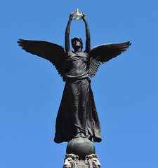 South African War Memorial (Robert C. Abraham) Tags: toronto statue memorial universityave urban canada cities city winged crown war warmemorial southafricanwarmemorial corona