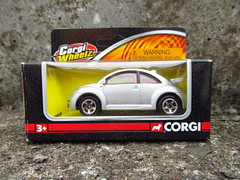CORGI WHEELZ. VW NEW BEETLE (MAJOR FORDSON) Tags: corgi van vw volkswagen ford fordtransit bmc diecast