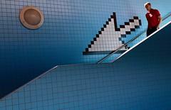 Going Down (Alex L'aventurier,) Tags: stockholm suède sweden metro underground stairs escaliers flèche arrow candid urbain urban street blue bleu wall mur city ville person personne man homme