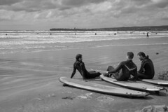 P.H.U.K. (Barnaby Nutt) Tags: leica m monochrom lahinch lehinch ireland surfing beach summer