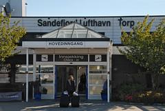 torp airport (3) (Parto Domani) Tags: sandefjord torp norvegia norway noruega scandinavia trasporti transport trasporto transports transporte ø§ùùùù è¿è¾æº ññð°ð½ñð¿ð¾ññ 輸é aeronautica aeronautics aeronautik aeronã¡utica aã©ronautique airport aeropuerto aeroporto aeroporti terminal aerostazione flughafen aã©roport ùø·ø§ø± æºåº 空港 ð°ññð¾ð¿ð¾ññ viaggio viaggi travel viaje voyage spielraum ð¿ð¾ðμð·ð´ðºð¸ æè¡ ø§ùø³ùø± turismo turism turistic turista turisti turist turists trf aeron‡utica ažronautique ažroport النقل 运输机 транспорт 輸送 aeronáutica aéronautique aéroport مطار 机场 空港 аэропорт поездки 旅行 السفر