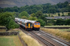 Passing trains at Edale, 9th Aug 2018. (Dave Wragg) Tags: 158813 class158 sprinter dmu railcar emt eastmidlandstrains 1r78 66786 class66 gbrf 6e51 loco locomotive railway edale valeofedale hopevalleyline