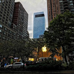 Uptown Apple Store (TesoroNegro) Tags: nycsummer nycstreets nycapplestore nyc