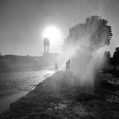 atomisé (pierre-vdm) Tags: berlin silhouette fantôme ghost geist été summer sommer eau water wasser tour tower turm